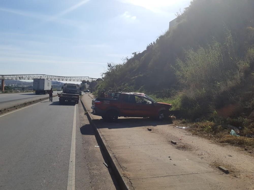 Idoso estava sem cinto de segurança e foi arremessado para fora do veículo, segundo a PRF — Foto: PRF/Divulgação
