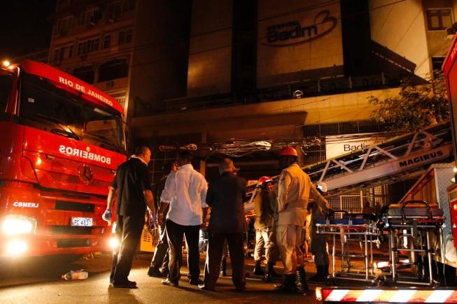 Havia mais de 100 pacientes no local no momento do incêndio