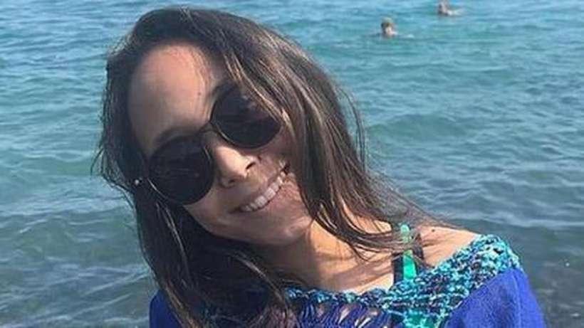 Alua Abzalbek, de 14 anos, dormia no momento que a bateria do celular explodiu