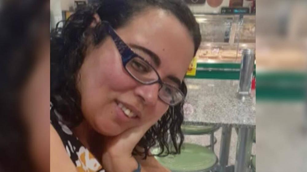 Mulher morre eletrocutada após se encostar em fio elétrico rompido