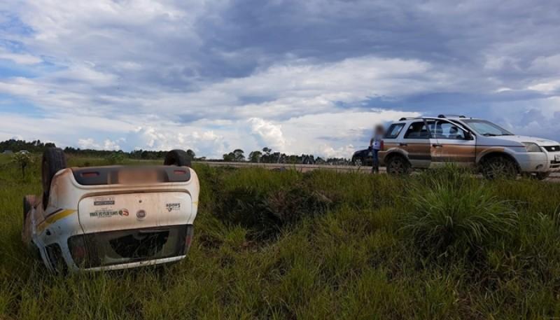 Carro da Secretaria de Saúde de Santa Rosa da Serra sofre acidente na BR-354