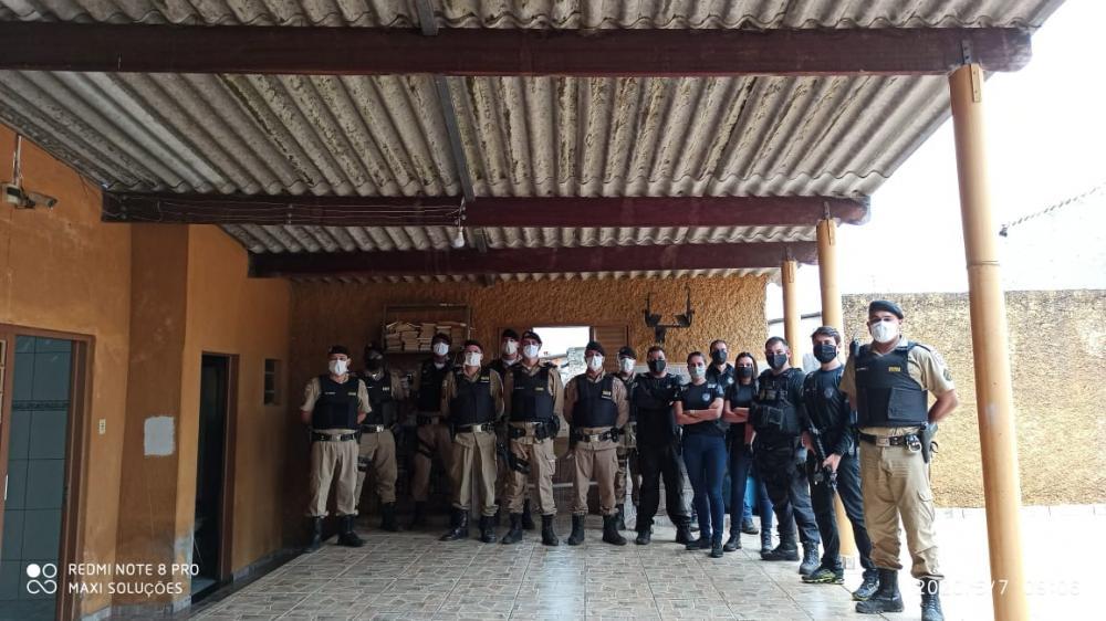 Polícias Civil e Militar prendem foragido da justiça durante operação em Campos Altos