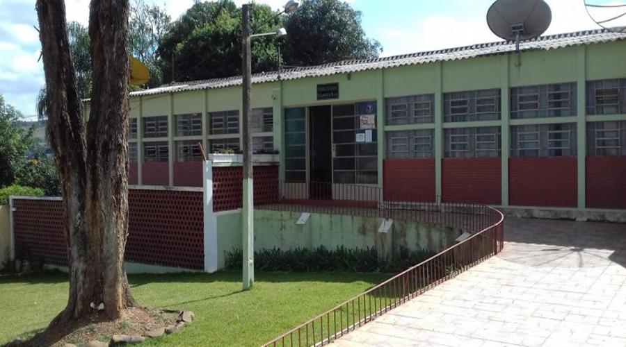 Aulas do ensino médio retornarão de forma remota, em Campos Altos