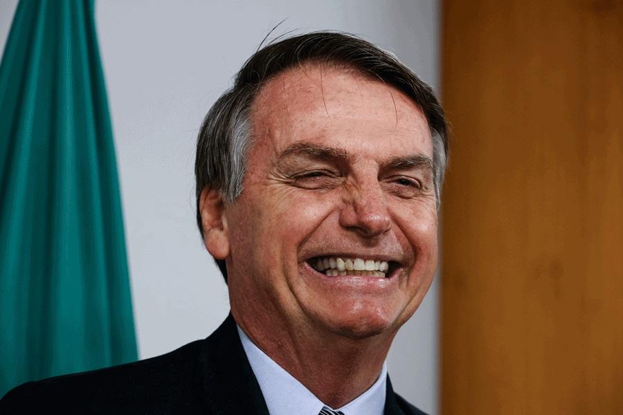 Bolsonaro diz que vai pagar auxílio emergencial por mais 3 meses