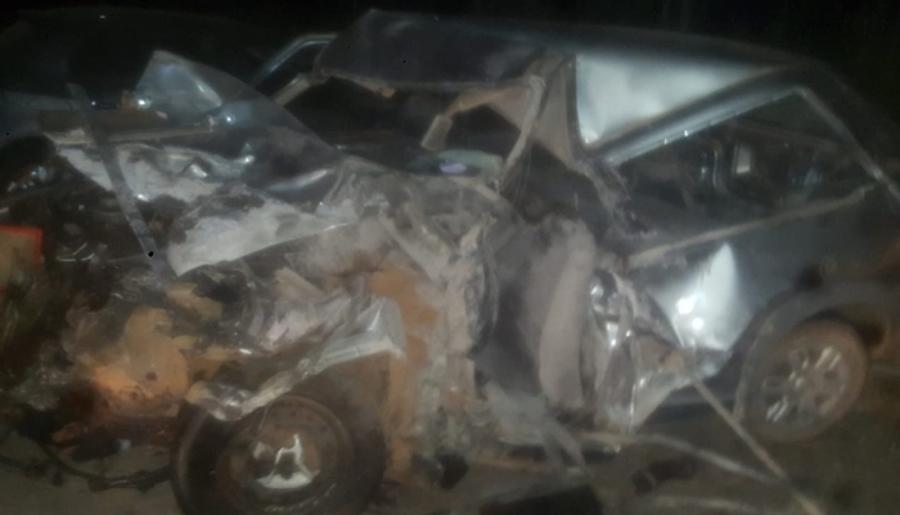 Idoso morre após colisão entre carro e caminhão na BR-262 em Araxá/MG