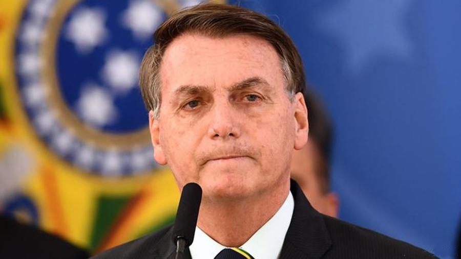 Bolsonaro volta a fazer testes para covid-19 após febre alta e sintomas da doença