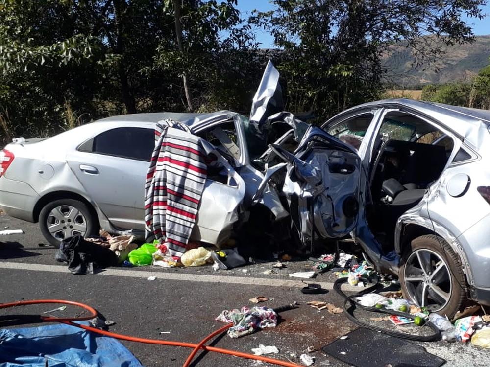 Acidente mata 5 em rodovia de GO; criança é resgatada com vida