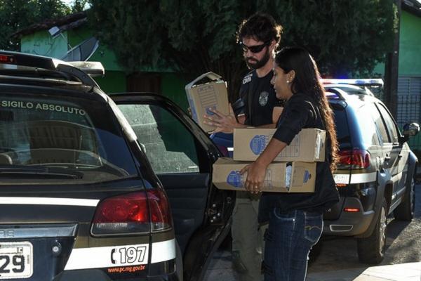 """PC prende 8 pessoas na terceira fase da operação """"Eden"""", em Santa Rosa da Serra e São Gotardo"""